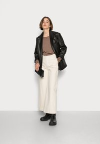 Ecoalf - PANTS WOMAN - Flared Jeans - natural - 1