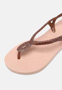 Havaianas - LUNA PREMIUM - T-bar sandals - ballet rose - 4