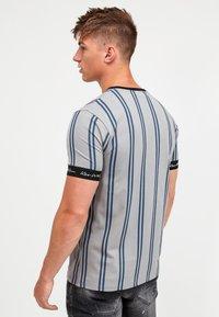 Kings Will Dream - CLERTON - Print T-shirt - grey/navy - 2