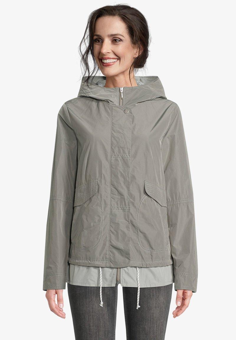 Amber & June - MIT KAPUZE - Waterproof jacket - sedona sage