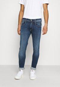Replay - ANBASS HYPERFLEX RE-USED - Jeans slim fit - dark blue denim - 0