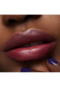 MAC - LOVE ME LIPSTICK - Lipstick - bated breath - 4