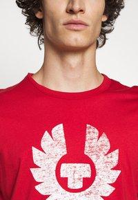 Belstaff - COTELAND  - Print T-shirt - red - 5