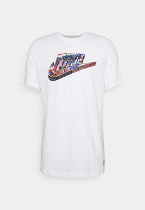 TEE WORLDWIDE - T-shirt con stampa - white