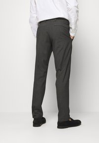 Isaac Dewhirst - RECYCLED CHECK DOUBLE BREASTED SUIT - Kostym - anthracite - 5