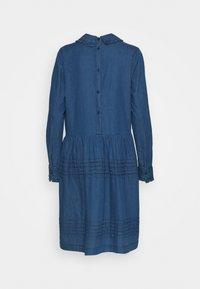 Six Ames - ERIKA - Robe en jean - blue denim - 1
