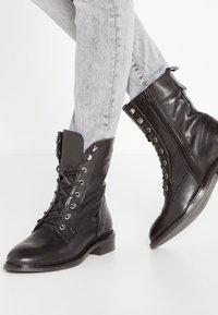 Zign - Botines con cordones - black - 0