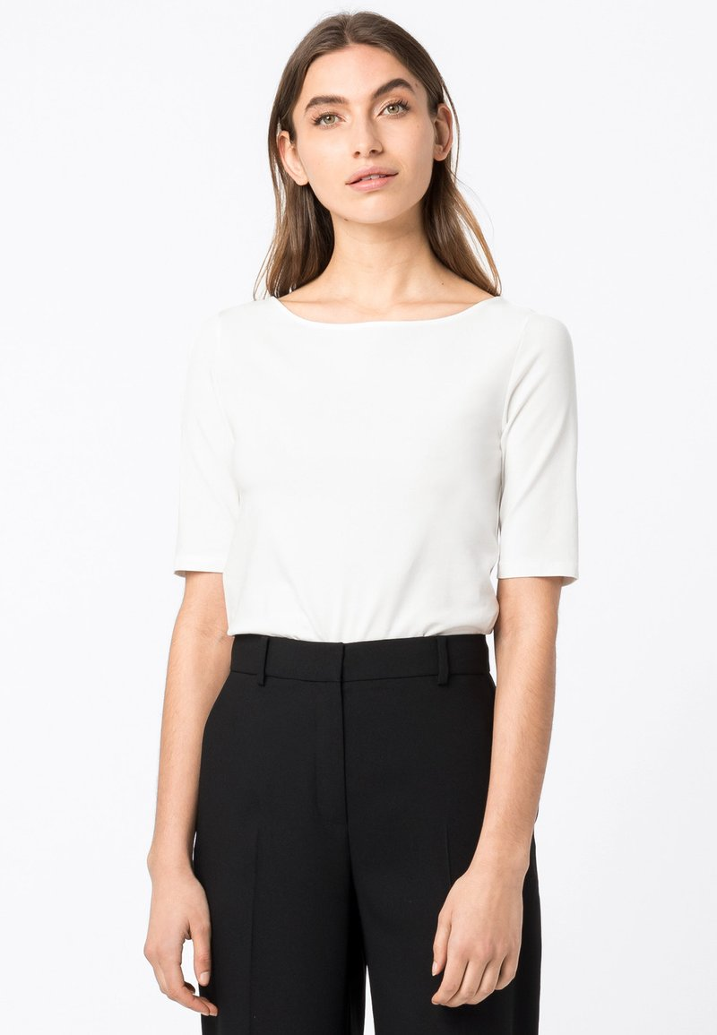 HALLHUBER - Basic T-shirt - off white