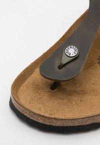 Birkenstock - GIZEH UNISEX - T-bar sandals - faded khaki - 5