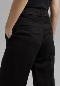 Esprit Collection - MIT BINDEGÜRTEL - Trousers - black - 4