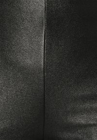 KARL LAGERFELD - METALLIC STRETCH - Leggings - Trousers - black - 5