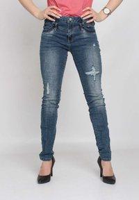 Buena Vista - Slim fit jeans - blue destroyed denim - 0