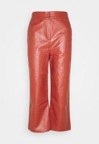 Fashion Union Petite - JACOB TROUSER - Trousers - rust - 0