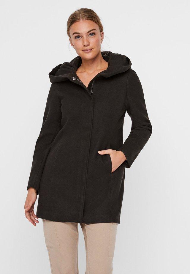 Abrigo corto - peat
