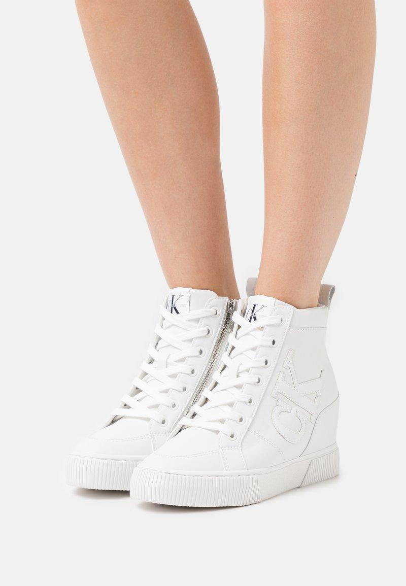 Calvin Klein Jeans - HIDDEN WEDGE  - High-top trainers - triple white