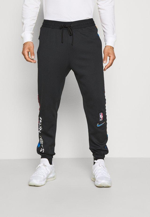 NBA BROOKLYN NETS CITY EDITON THERMAFLEX PANT - Pantalon de survêtement - black/soar