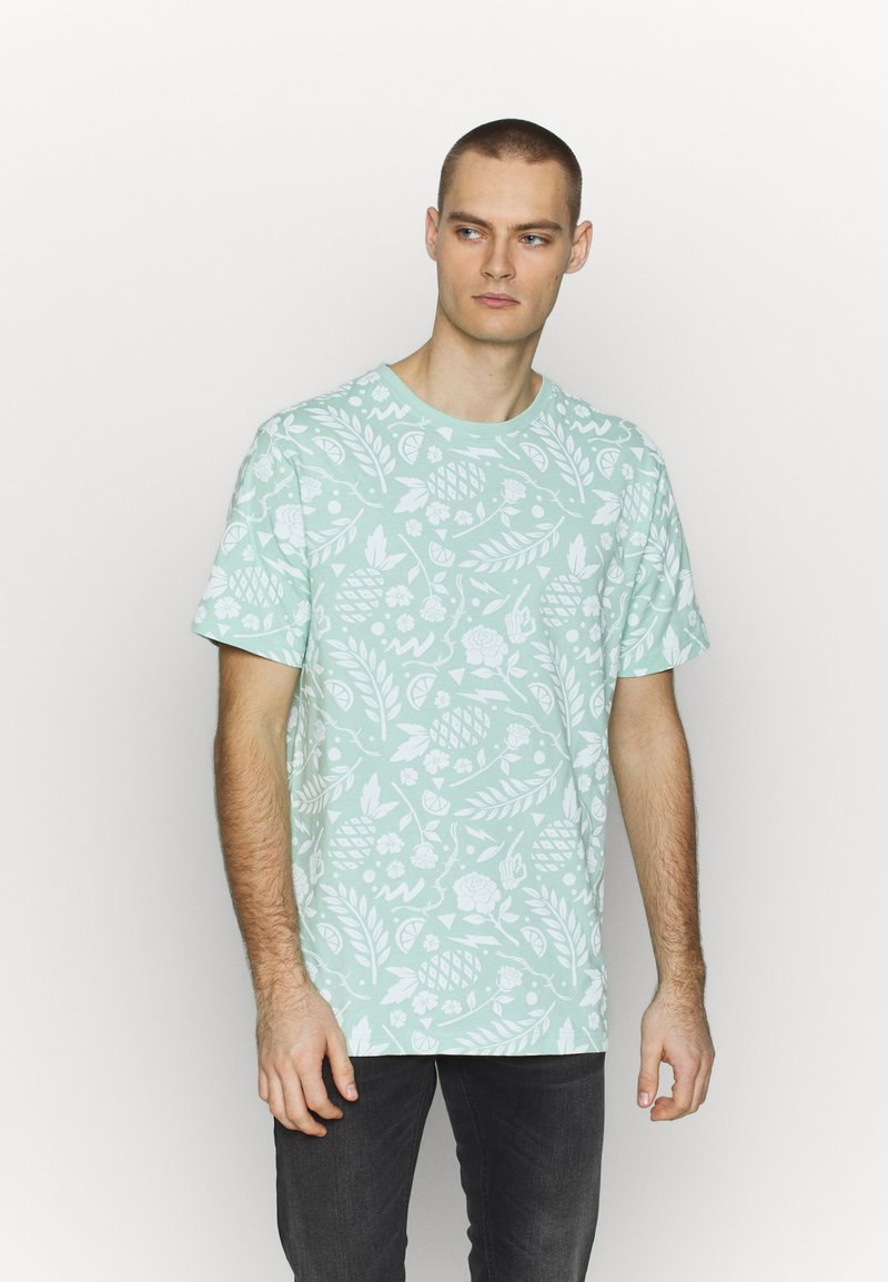 Cayler & Sons - LEAVES WIRES TEE - Print T-shirt - mint