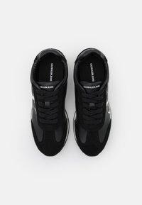 Calvin Klein Jeans - JODIS - Sneakersy niskie - black - 5