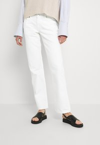 Weekday - ARROW - Straight leg jeans - white - 0