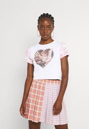CHERUB MOTIF BABY TEE - T-shirt con stampa - white