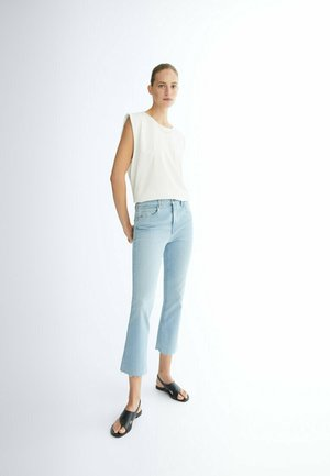CROPPED - Bootcut jeans - blue