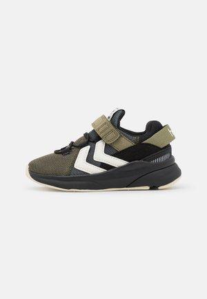 REACH - Sneakers laag - black/covert green