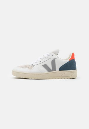 V-10 - Trainers - extra white/oxford grey/orange fluo