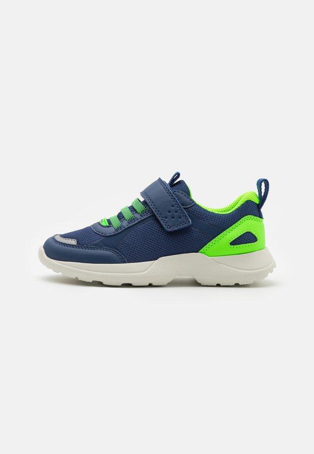 RUSH - Tenisky - blau/grün