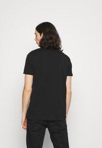 Glorious Gangsta - DONAEO TEE - T-shirt z nadrukiem - jet black - 2