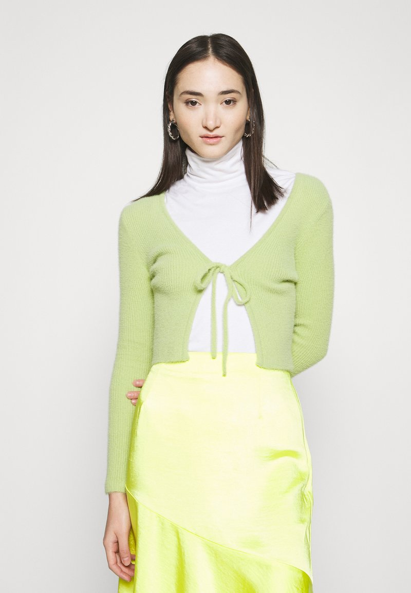 BDG Urban Outfitters - NOORI TIE FRONT CARDI - Kardigan - lime