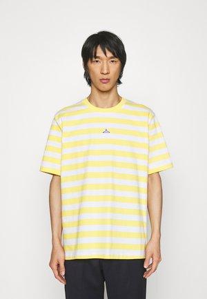 HANGER STRIPED TEE - Print T-shirt - yellow/white