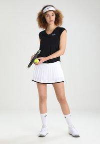 Nike Performance - PURE - Jednoduché triko - black/white - 1