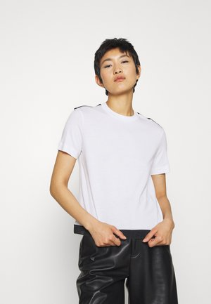 TAPE MODERN STRAIGHT TEE - T-Shirt print - bright white