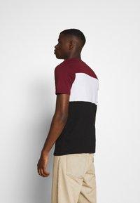 Jack & Jones - JJELOGO BLOCKING TEE - T-shirt con stampa - port royale - 2