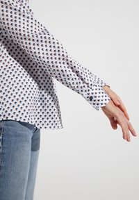Eterna - Button-down blouse - weiss/braun/blau - 2