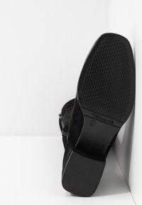 Tamaris - BOOTS - Høye støvler - black - 6
