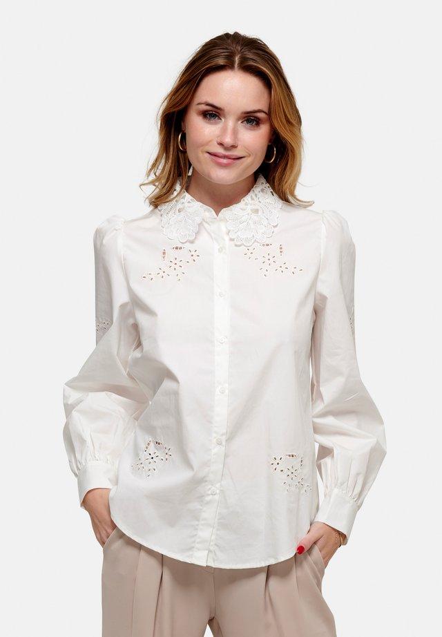 LUCILLE - Skjorte - white lace