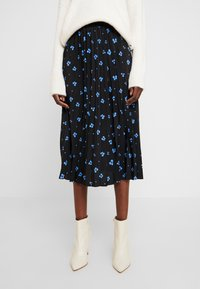 TOM TAILOR DENIM - FLOWER PLISSEE SKIRT - Áčková sukně - black/blue - 0