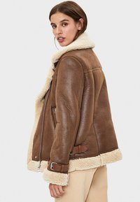 Bershka - Veste en similicuir - brown - 2