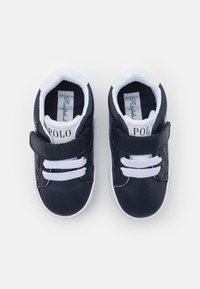 Polo Ralph Lauren - THERON IV LAYETTE UNISEX - First shoes - navy tumbled/white - 3