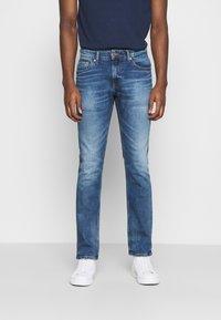 Tommy Jeans - SCANTON SLIM - Slim fit jeans - light-blue denim - 0