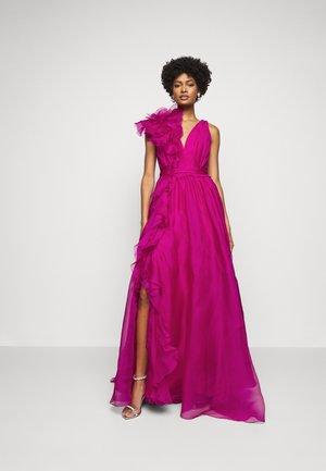 Společenské šaty - fuchsia