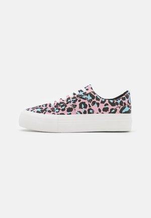 Sneakers laag - pink/black/light blue