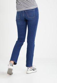 MAC Jeans - DREAM - Straight leg jeans - mid blue - 2