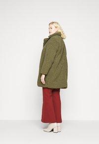 Noisy May Curve - NMGABI JACKET - Classic coat - kalamata - 2