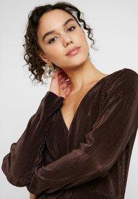 Gina Tricot - PLEATED DRESS - Day dress - java - 5