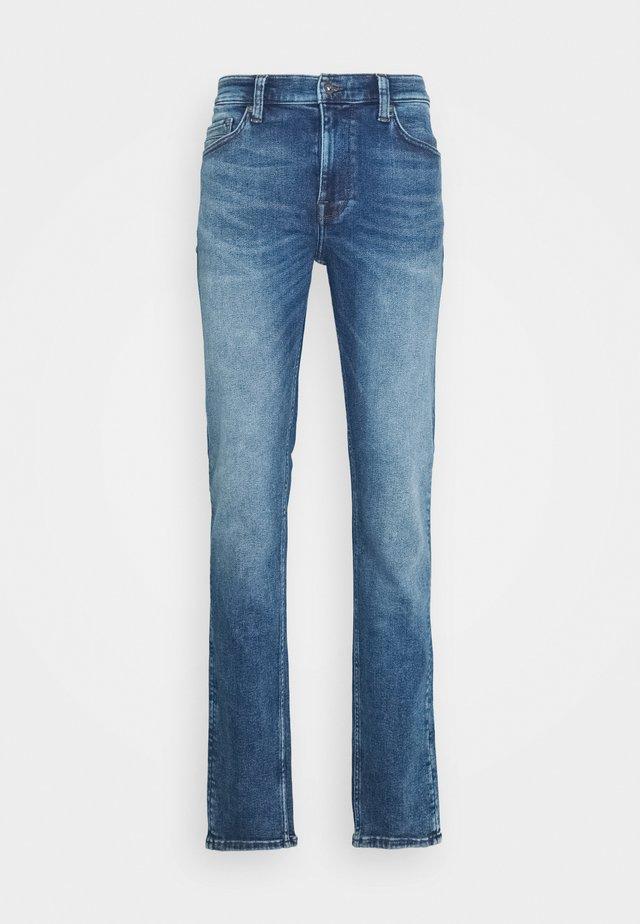 VEGAS - Slim fit jeans - light blue