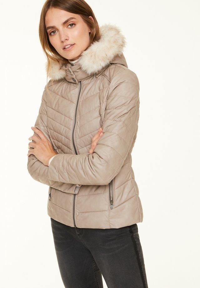 MIT ABNEHMBAREM WEBPELZ - Winter jacket - greige