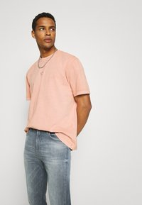 Lee - AUSTIN - Jeans Tapered Fit - visual shark - 3