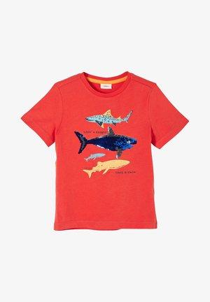 MIT WENDEPAILLETTEN - Print T-shirt - dark orange